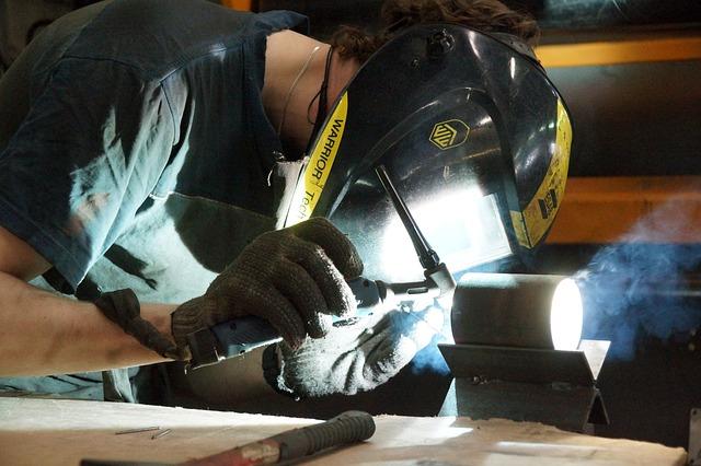 Dopracowane rękawice marki tegera ochronią Twoje dłonie przy pracy
